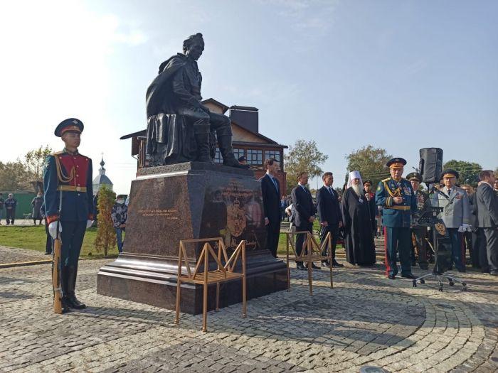 Памятник Александру Суворову открыли в Суздальском районе