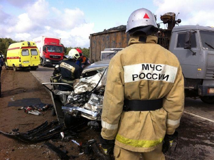 Автоледи устроила кровавое ДТП под Владимиром: погибли два человека